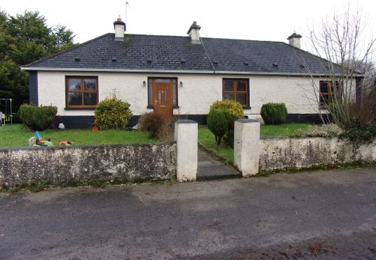 Marnellsgrove Ballymoe Co Galway with 2 acre field to rear